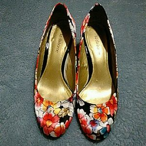 Lovely Floral Heels by Liz Claiborne Size 7.5